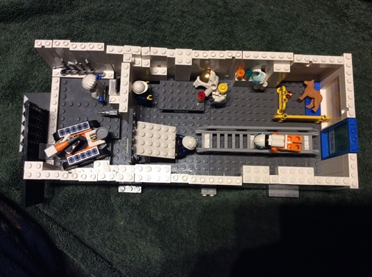 LEGO Club - Space Station